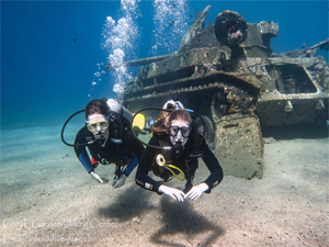 discover scuba diving, couple Dive next tank, diving aqaba, Места для дайвинга в Иордании
