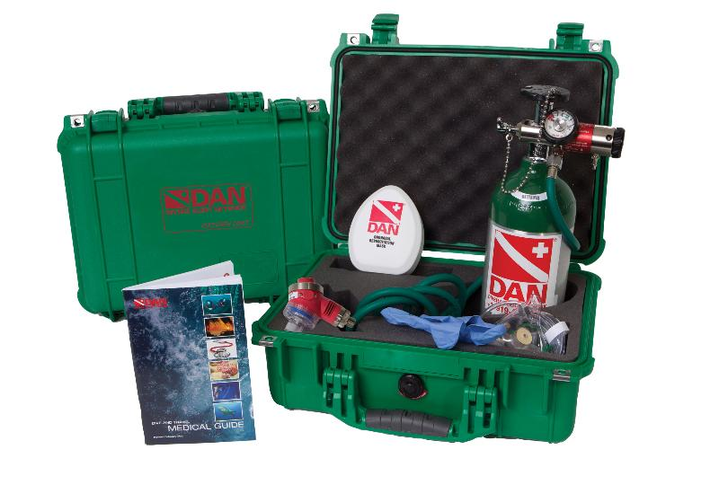 Emergency First Response Course EFR, Continuing diving courses, emergency Oxygen kit