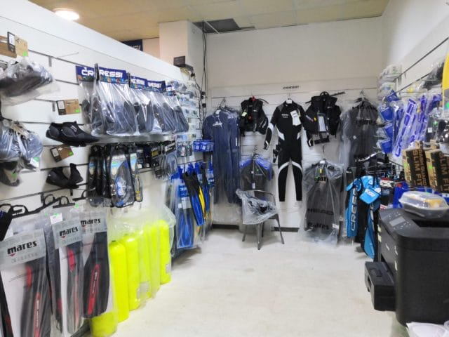 Diving shop, scuba diving equipment, snorkling equipment, mares