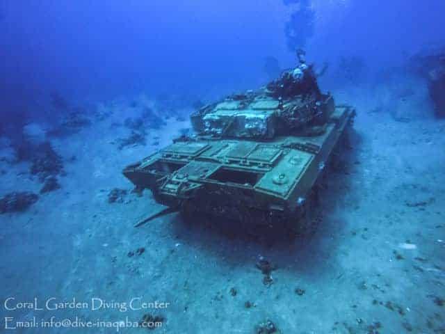 underwater museum tankб Места для дайвинга в Иордании